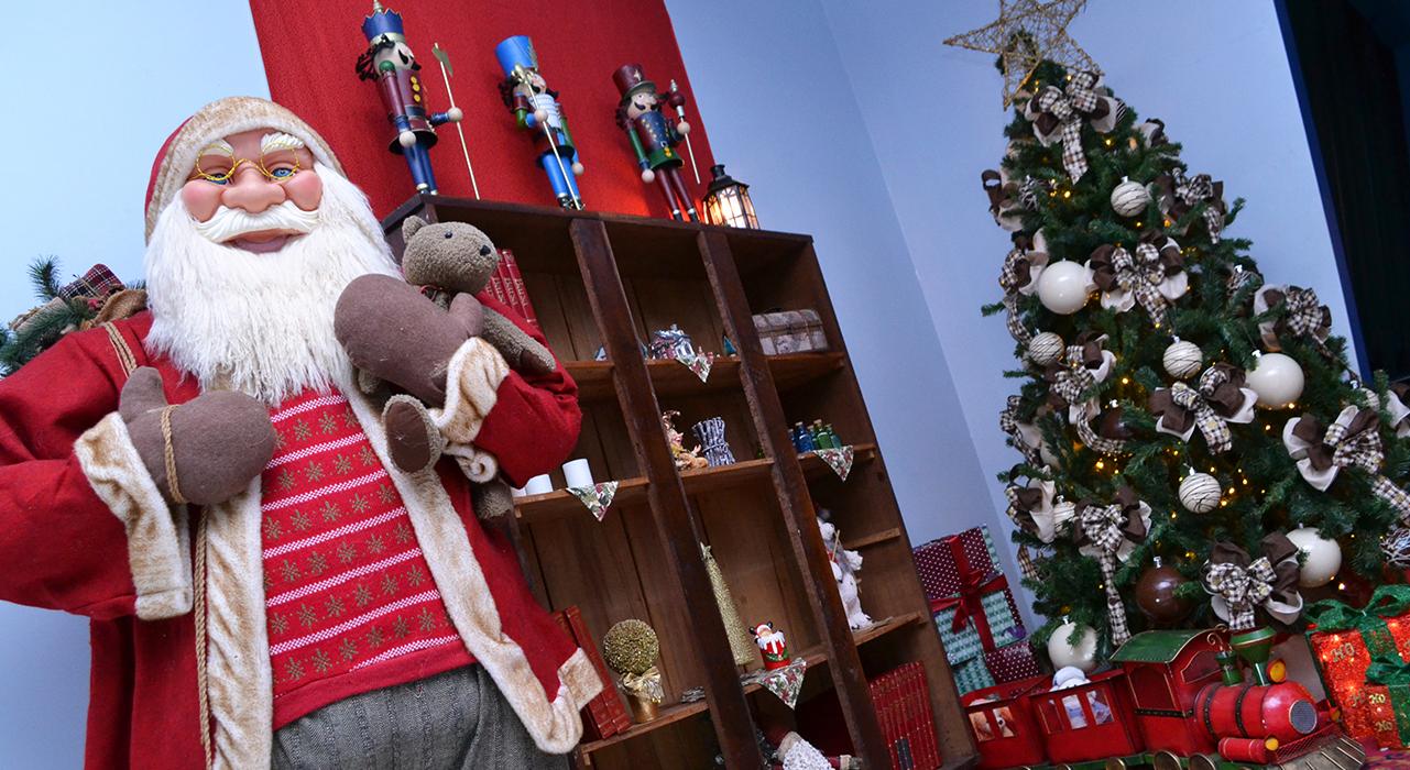 Confira as fotos da decoração de Natal da Prefeitura de Cruz Machado